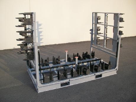 Contenedor con apoyos plásticos
